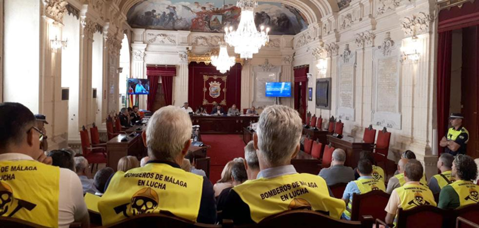 El equipo de gobierno de Málaga se compromete a consensuar un nuevo reglamento en Bomberos