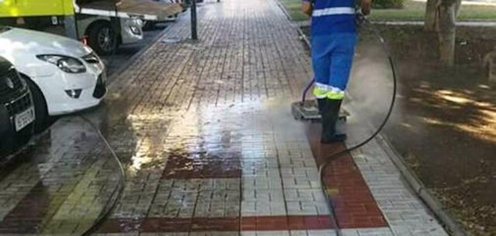 Medio Ambiente inventa un sistema para limpiar aceras a fondo