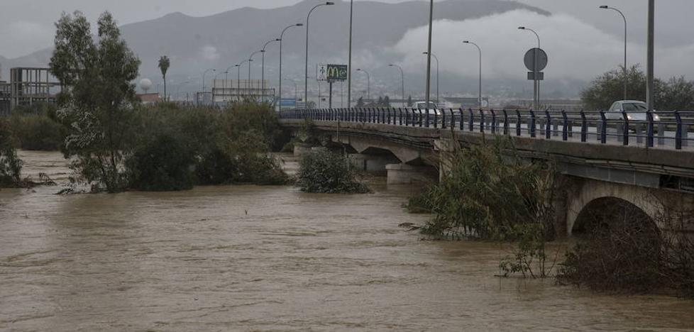 Apoyo unánime del pleno del Ayuntamiento de Málaga para exigir al Gobierno que sustituya el puente de la Azucarera
