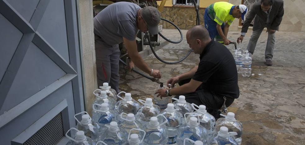 El regreso del agua potable al grifo de Archidona sigue sin fecha
