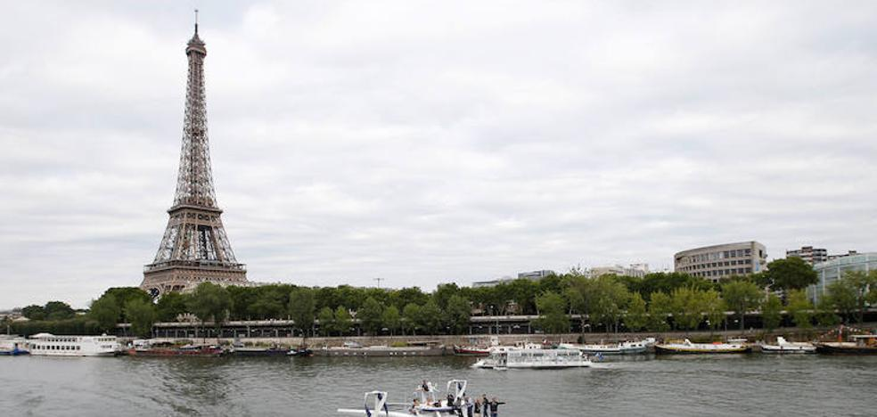 Un muro de cristal antibalas rodeará la Torre Eiffel