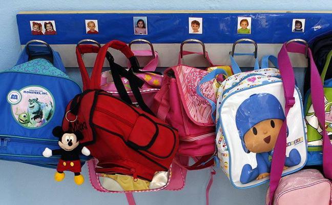 """La Obra Social """"La Caixa"""" facilita la vuelta al colegio a más de 1.300 niños en riesgo de exclusión social"""