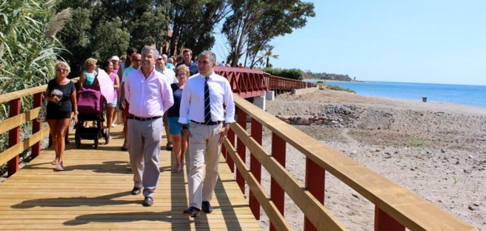 La Diputación Provincial concluye un nuevo tramo de la senda litoral en Estepona