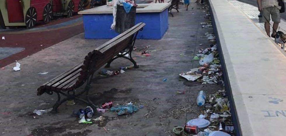 Miraflores de los Ángeles y calle Chaves: Parques muy sucios