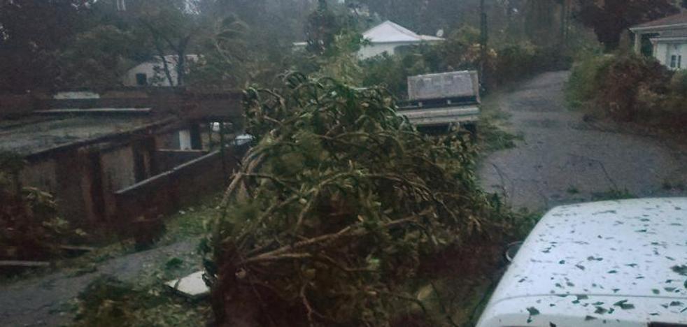 'María' arrasa Dominica, Guadalupe y Martinica y se dirige a Puerto Rico