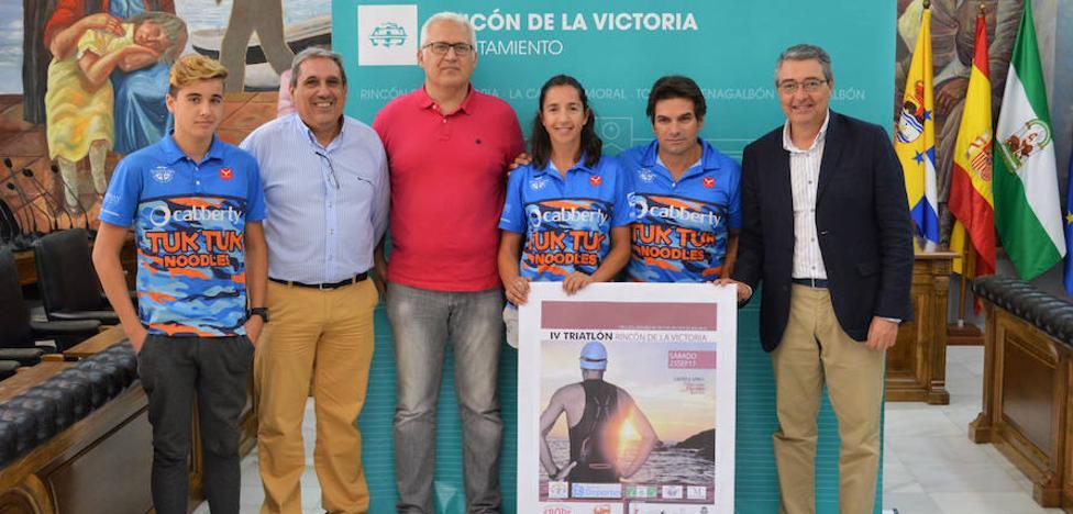Rincón de la Victoria celebra el IV Triatlón Sprint con la participación de más de 200 deportistas a nivel regional