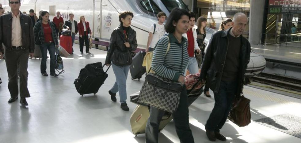 Las ciudades con AVE plantean una alianza con aerolíneas para captar turistas americanos y asiáticos