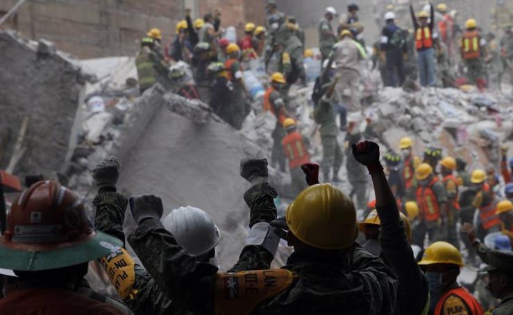 El día después del terremoto de México en imágenes