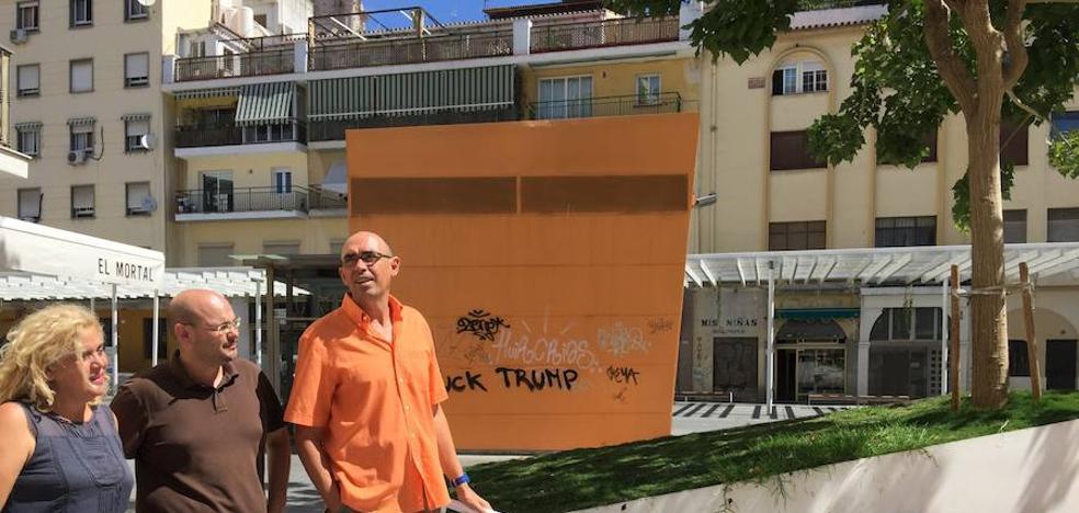 Zorrilla expone el deterioro de la «insulsa» plaza de Camas
