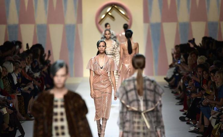 El desfile de Fendi durante la Fashion Week de Milán