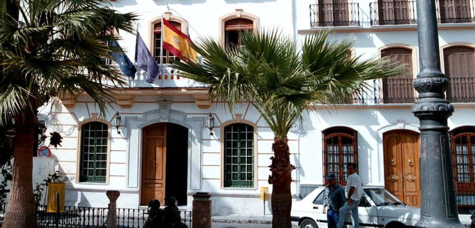 El alcalde de Coín anuncia un plan estratégico de subvenciones que engloba al pequeño comercio