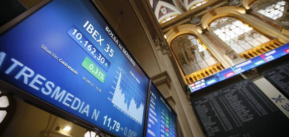 El Ibex se mantiene prácticamente plano pese al rebote de la banca