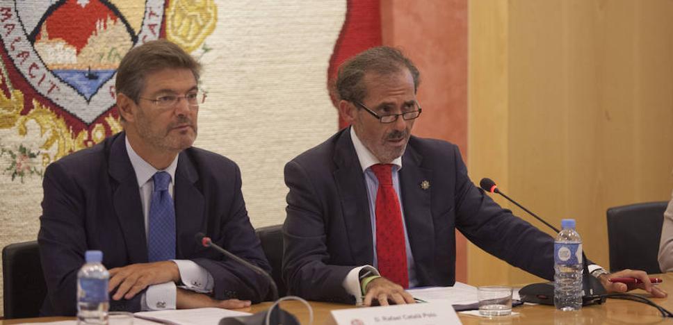"""Catalá critica a los que pretenden """"violentar"""" con concentraciones ante el TSJC la independencia de los jueces"""
