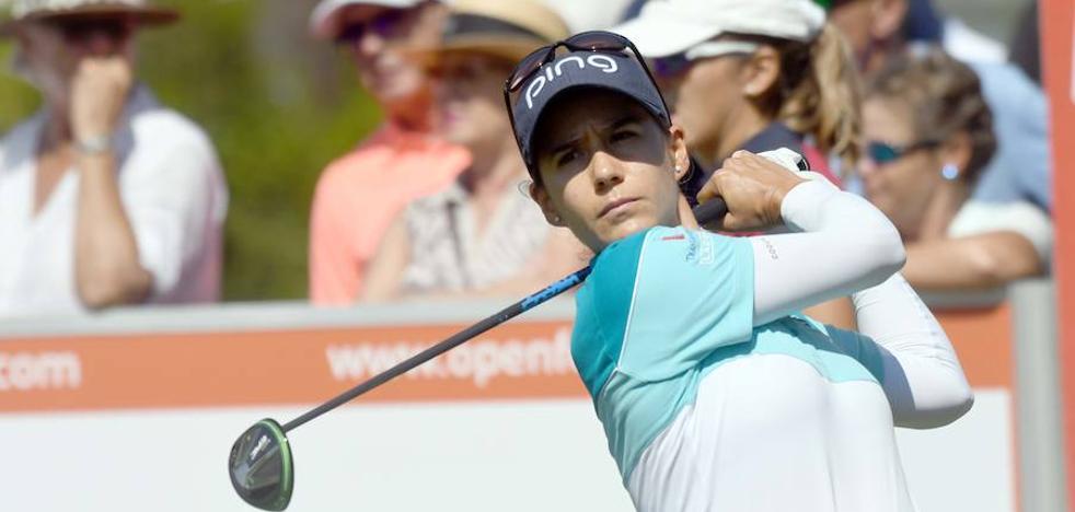 Azahara Muñoz, a cuatro golpes del liderato en el Open de España