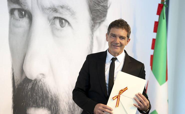 Antonio Banderas recibe el Premio Nacional de Cinematografía en San Sebastián