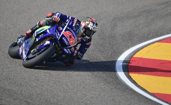 Viñales logra la pole y Rossi continúa con la machada