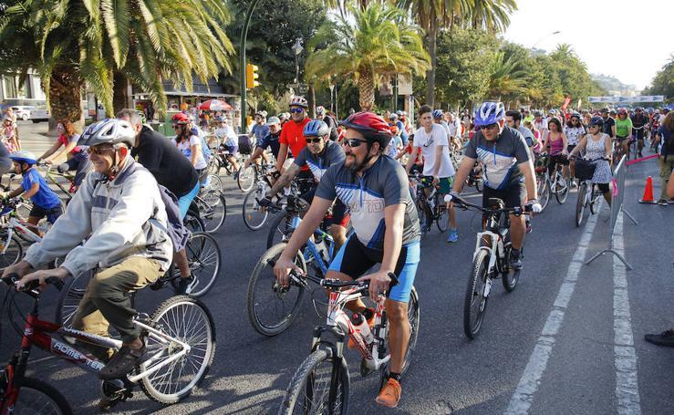 El XV Día de la Bici de Málaga, en imágenes