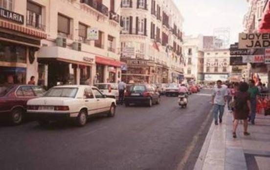 Vídeo| Cuando la calle Larios tenía coches...