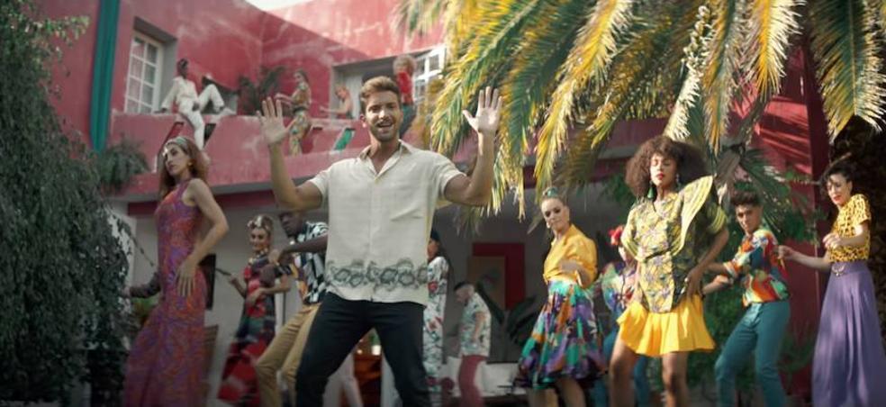 Pablo Alborán baila a lo Bollywood