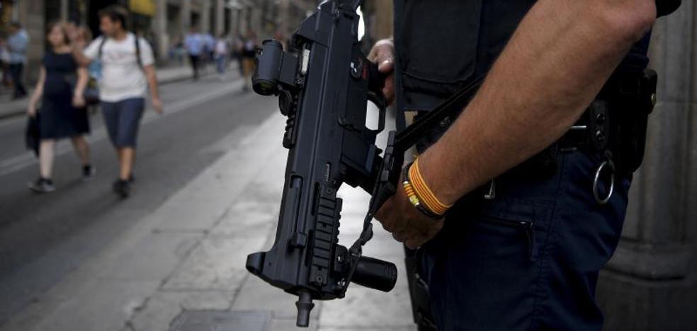 El fiscal ordena a los Mossos incautarse de las urnas del 1-O