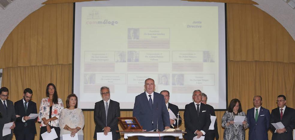El presidente del Colegio de Médicos reclama a la consejera de Salud el tercer hospital para Málaga