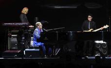Elton John publicará en noviembre la colección de éxitos 'Diamonds'
