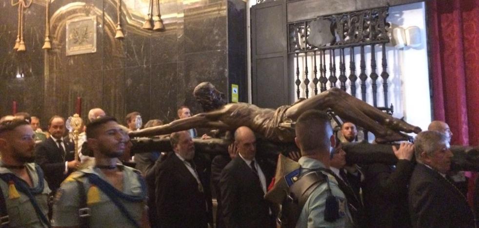 Así ha sido el vía Crucis del Cristo de la Buena Muerte
