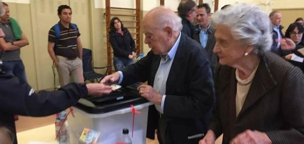 Jordi Pujol y Marta Ferrusola votaron en el referéndum