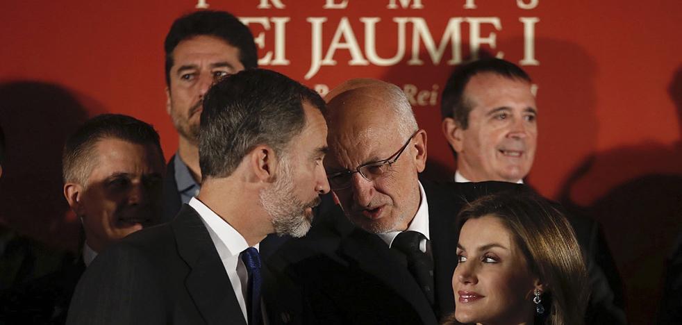 Juan Roig, «asustado» por Cataluña, pide a los políticos hacer «su trabajo»