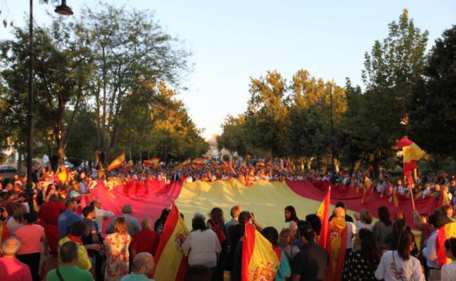 Cuatro mil antequeranos salen a la calle para clamar por la unidad de España