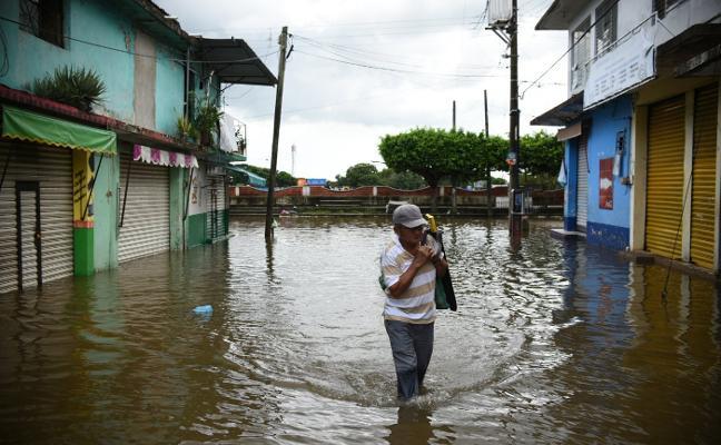 La costa de EE UU se prepara para recibir al huracán 'Nate'