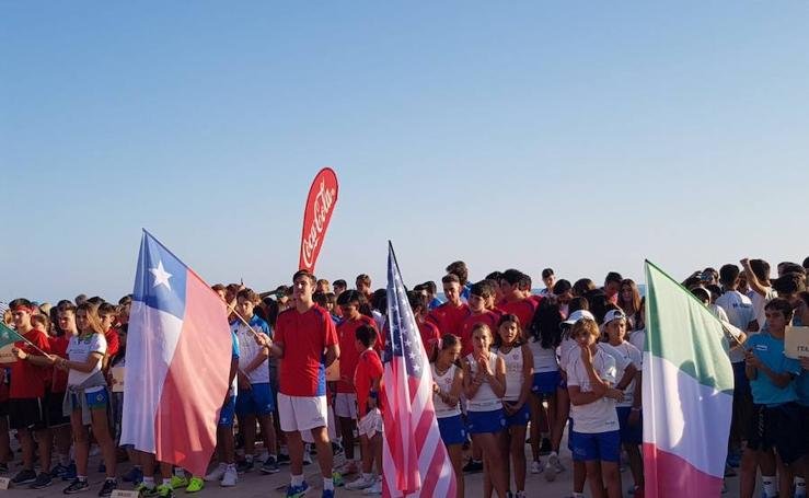 Fotos del desfile del Mundial de Menores de Pádel en Málaga
