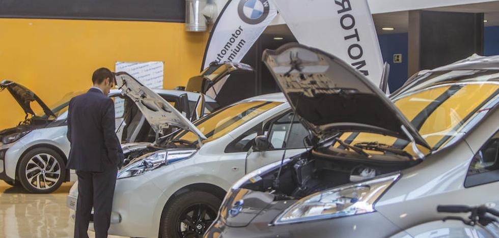 El coche eléctrico acelera su implantación y será masivo en cinco años