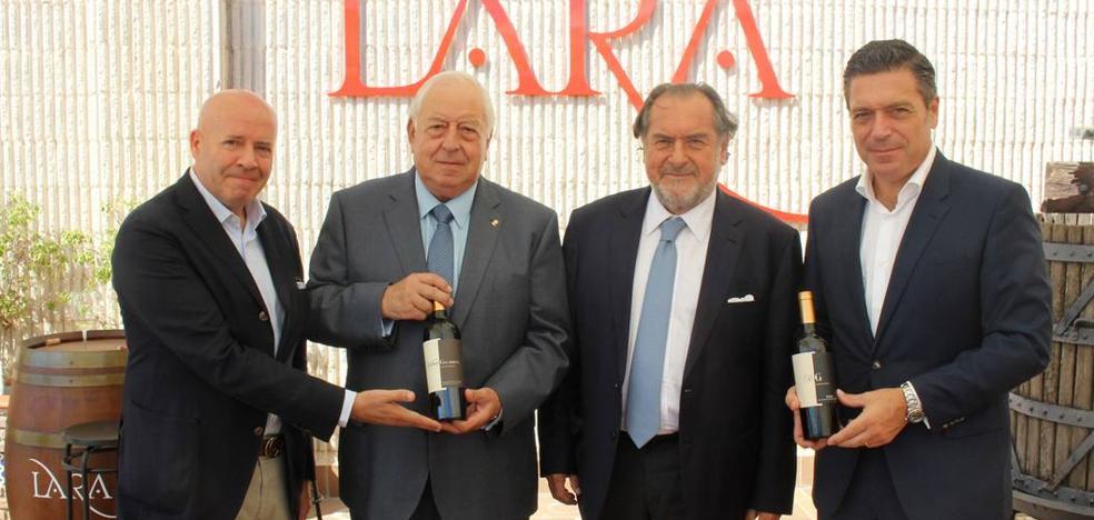 El enólogo Michel Rolland: «Málaga debe hacer los mejores vinos de la zona, no los de otras zonas»