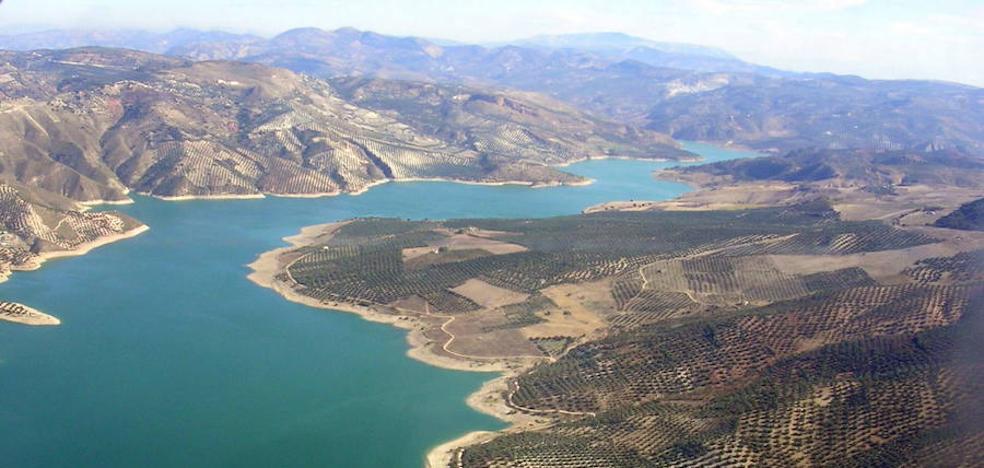 El Parlamento andaluz vuelve a exigir al Gobierno central el trasvase de Iznájar