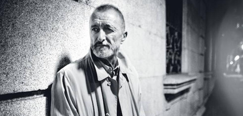 Arturo Pérez-Reverte: «Falcó es muy revertiano»