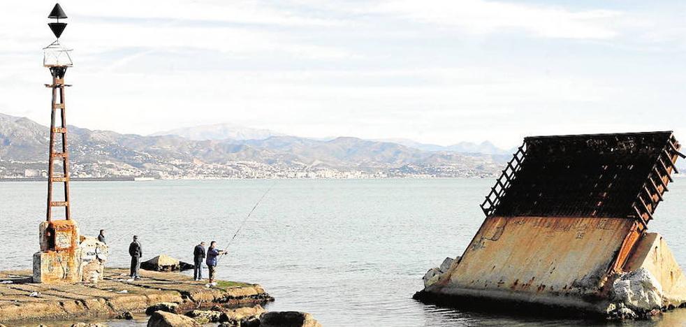 Ciudadanos pide acondicionar el espigón de la Térmica «para el disfrute de los malagueños»