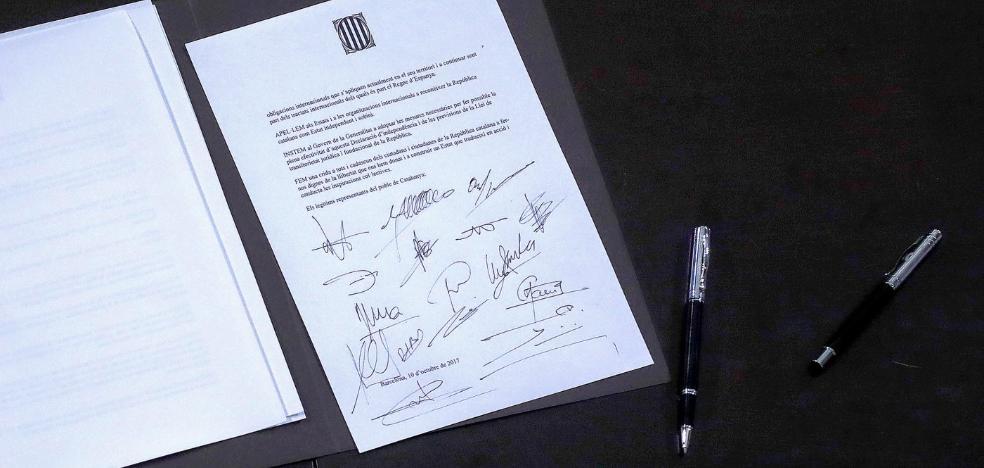 «Constituimos la república catalana como estado independiente y soberano»