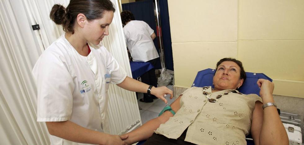 El CRTS se marca el reto de superar las 600 donaciones un maratón de sangre en Málaga