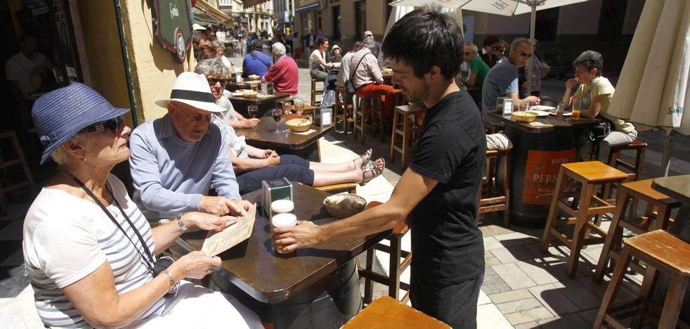 Detenidos seis carteristas que distraían con un mapa a turistas para robarles en el centro de Málaga