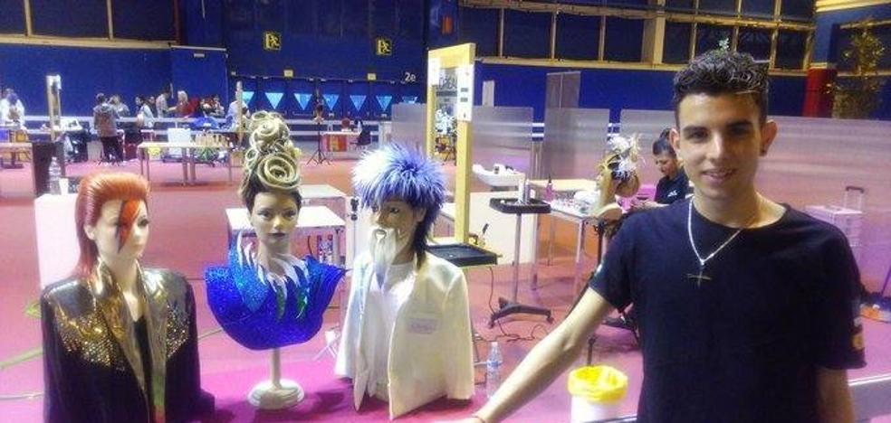 Un malagueño representa a España en una competición internacional de peluquería de FP
