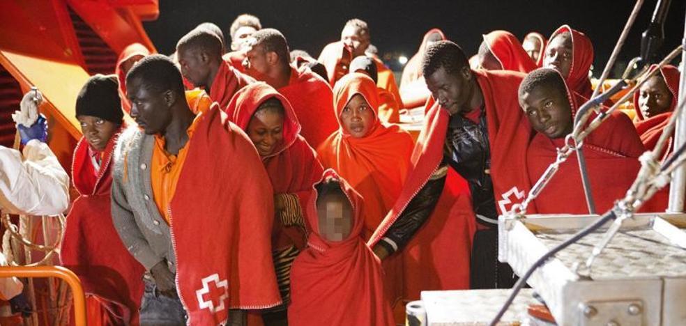 Más de 370 inmigrantes llegan a las costas españolas el fin de semana