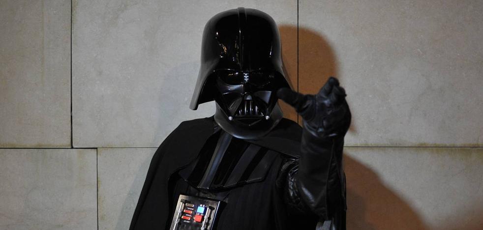 Detenido por atracar un hotel de Mijas con una máscara de Darth Vader