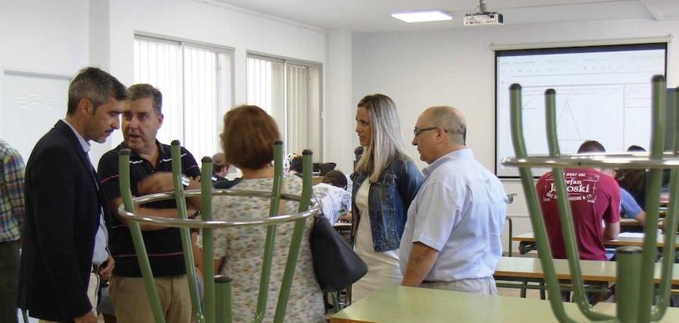 Padres de alumnos de Benalmádena se movilizan ante la falta de profesores de Matemáticas