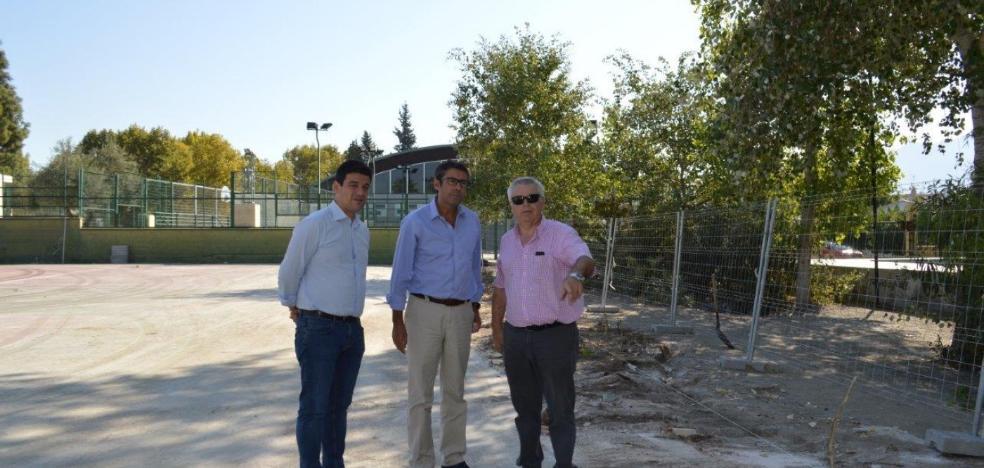 Inician la obra de las nuevas pistas para descongestionar el polideportivo municipal de Coín