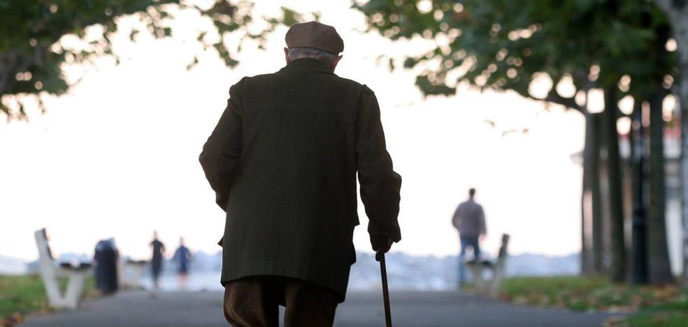 Detenidas tres mujeres en Málaga por robar la pensión a ancianos a su salida del banco