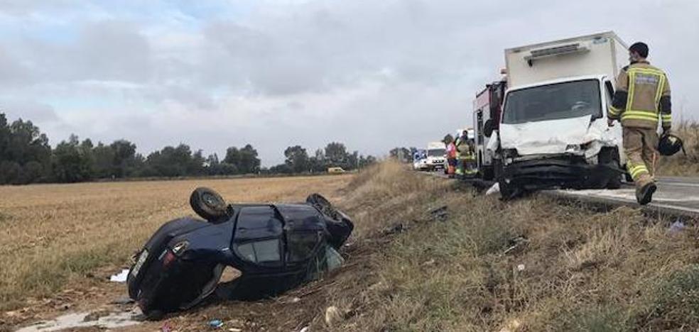 Tres fallecidos, entre ellos un niño, en un choque entre dos vehículos en Badajoz