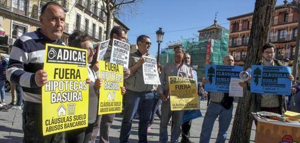 El Defensor del Pueblo Andaluz admite a trámite la queja sobre la situación de los afectados por cláusulas suelo