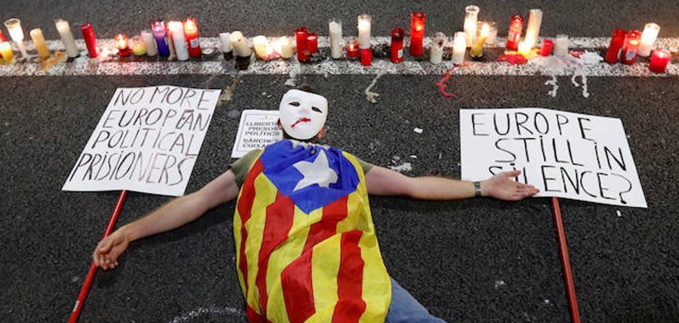 Miles de personas reclaman en Barcelona la puesta en libertad de los 'Jordis'