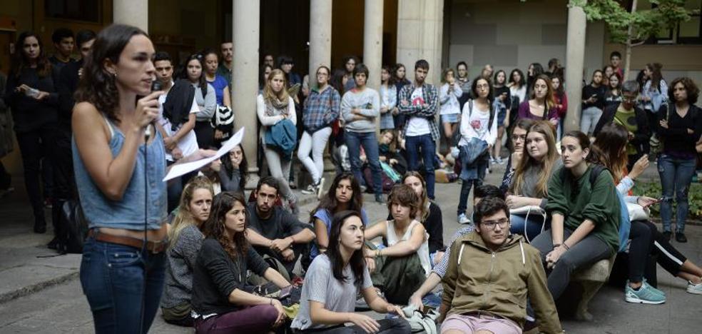 Los universitarios se suman a las protestas por el encarcelamiento de Sánchez y Cuixart